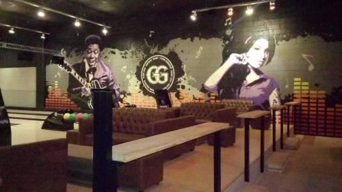 Inspirado por música, Garden Grill abre complejo con 6 Pistas de Bowling Imply