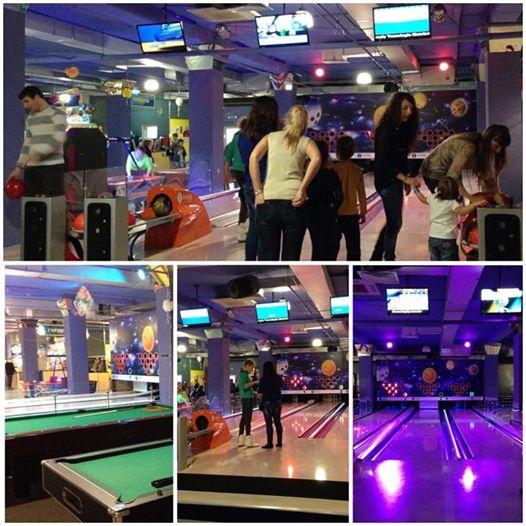 Centro de Entretenimiento Familiar y Bowling Café-Bar